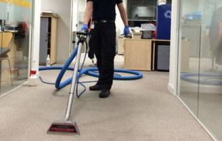 Commercial Carpet Cleaner Featured